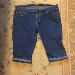 Capri jeans (Old Navy Diva)